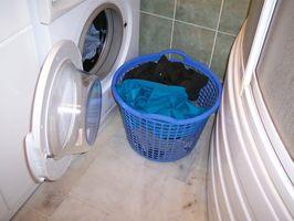Hvordan man kan dræne en brudt Maytag vaskemaskine
