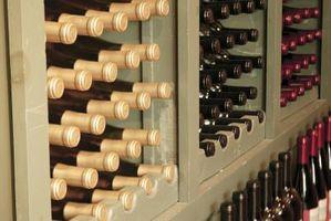 Hvordan man laver en vin Celler ud af et skab