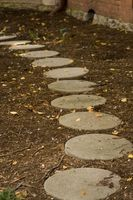 Hvor hen til forhindre revner, når du foretager Stepping Stones