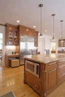Vil sætte et køkkenskab tæt på loftet gøre rummet større?