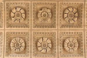 Hvis mit hus har de gamle fladt loft med firkantet design i det, hvad kan jeg gøre for at Give det en ansigtsløftning?