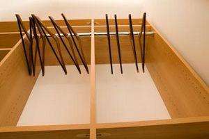 Hvordan til at designe en garderobe skab