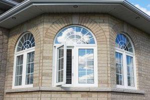 Gardin ideer til buede vinduer med skodder