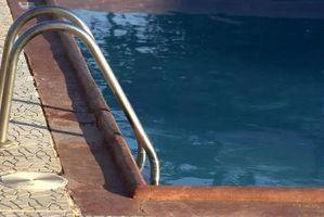 Hvordan man åbner en Winterized Inground Pool