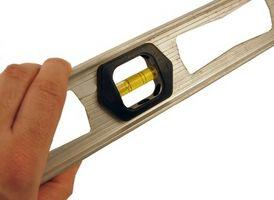 Sådan måler Plumb på en snoet stråle