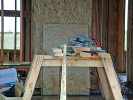 Hvordan man kan skære vinkler for loftet Trim