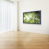 Sådan installeres en stikkontakt til en væg-monteret fladskærms-TV