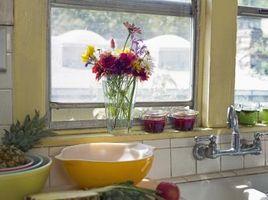 Sådan fjernes en køkkenhave vindue