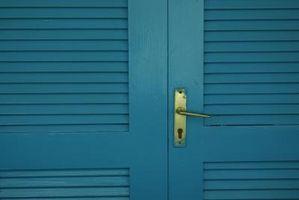 Hvordan man kan male en spaltegulve skabet døren