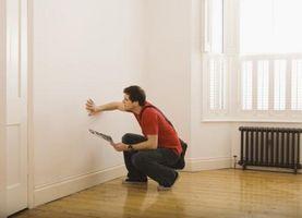 Hvor meget afstand vil du forlade mellem stillinger når du fjerner en bærende væg?