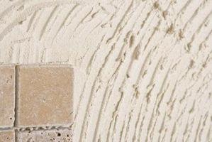 Hvad fjerner keramiske fliser lim?