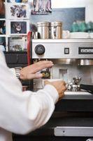 Hvordan at rengøre espressokaffe maskiner med citronsyre