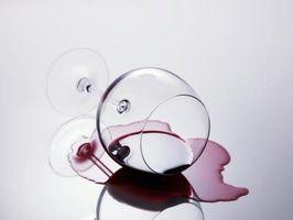 Sådan fjerner vin pletter fra Ultrasuede