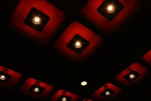 Hvordan kan jeg installere forsænket belysning til indramning medlemmer?