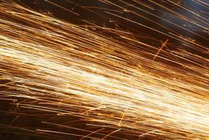 Hvordan man kan skære D2 stål