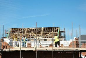 Hvilke typer af underleverandører arbejde på at opbygge et hus?
