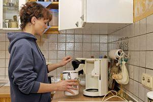 Hvordan at rengøre en Krups kaffemaskine