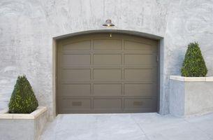 Sådan ændres en Garage døren tastatur kode