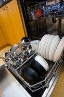 Hvordan man kan spare ved ikke at bruge opvaskemaskine varme