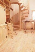 Typer af trappen til et lille rum