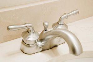 Badeværelse farver med Satin nikkel inventar