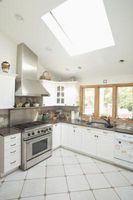 Køkken kabinet farve ideer til sort fedtsten & rustfrit stål apparater