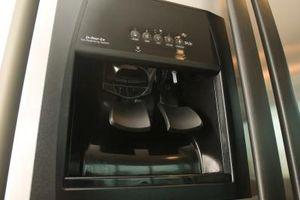 Sådan tilsluttes is beslutningstagere for Kenmore køleskabe
