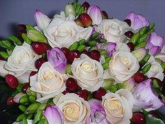 Hvordan man laver en silke blomst brudebuket