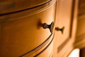 Møbler lakering & reparationsopgaver