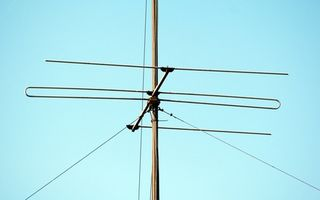 Hvordan du udskifter en Twin bly med koaksial ledninger i tv-antenner