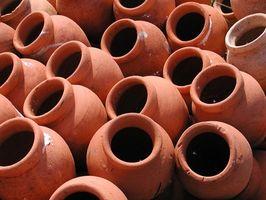 Hvordan man bevarer keramiske have gryder