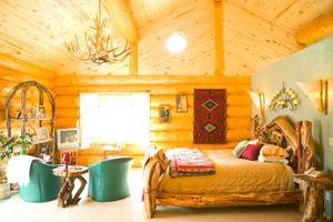 Hvordan man laver en soveværelse væg rustik