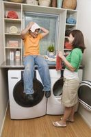 Hvordan man kan dekorere et lille vaskerum med udsat rør