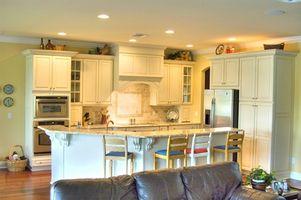 Sådan Paint træ færdig Køkken Cabinets