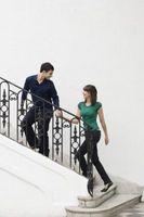 Bygningsreglementer for afstanden mellem trappen rækværk