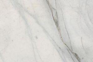 Hvordan man kan skære marmor med en Skilsaw