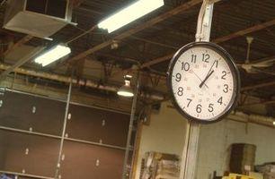 Liste over elementer til at planlægge når bygningen en Garage Organizer