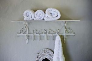 Badeværelse designideer til en 5' af 8' værelse