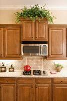 Hvordan man laver køkkenskab Molding uden en etageadskillelsen