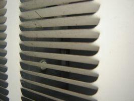 Hvordan foretager jeg fejlfinding af en Maytag AC enhed?