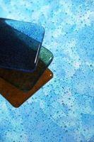 Hvordan man kan sætte meget tynde glas fliser på en Backsplash
