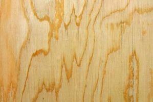 Hvordan man kan male en krydsfiner dør