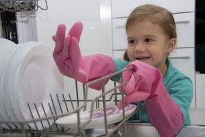 Hvordan til at fjerne lugt fra en opvaskemaskine