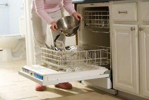 Sådan fjerner tørrede sæbe fra opvaskemaskine filtre