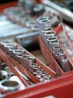 Hvordan at reparere en værktøjskasse lås