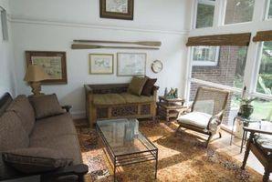 Hvordan man kan dekorere en lille havestue med lavt til loftet