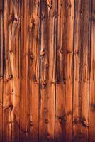 Sådan installeres træ Planking på vægge