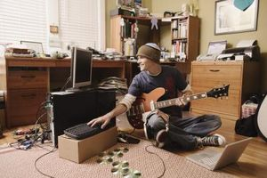 Udsmykning en drengs soveværelse med en musik Lounge tema