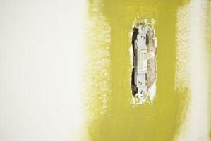 Sådan isolere lyskontakt væg plader