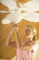Sådan bruges montører & glas nuancer med loftet Fans